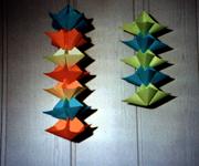 girlanden aus papier basteln papiergirlanden selber machen. Black Bedroom Furniture Sets. Home Design Ideas